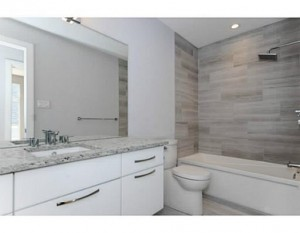 123 Northwestern - Main Bath